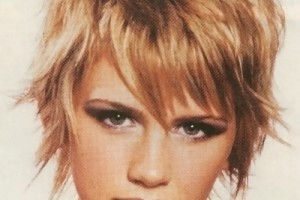 400x512px 9 Cute Short Hairstyles For Fat Faces Picture in Hair Style