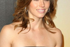 Hair Style , 9 Amazing How To Style Medium Length Hair With Layers : medium haircut curls