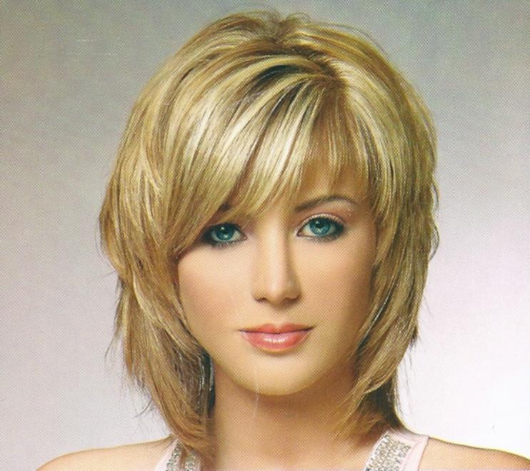 Стрижки среднюю длину волос