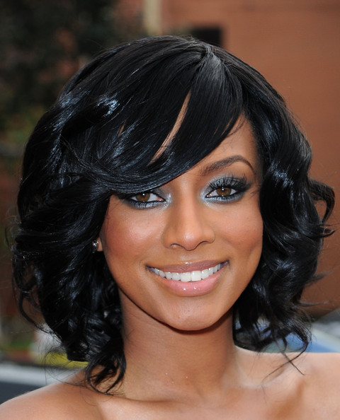 6 Charming Medium Length Hair Styles For African American Women in Hair Style