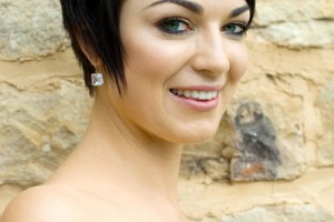 Hair Style , 8 Beautiful Bridesmaid Hairstyles For Short Hair : short bridesmaid hairstyles