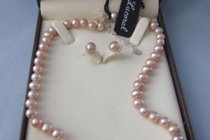 985x1280px 8 Lovely Lucoral Pearl Necklace Picture in Jewelry