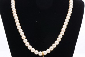 500x500px 8 Lovely Lucoral Pearl Necklace Picture in Jewelry