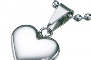 Jewelry , 8 Charming Engravable Heart Necklaces : Silver Colored Heart Pendants