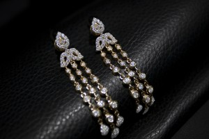 Fashion , 8 Gorgeous Tanishq Diamond Necklace : diamond pendant necklace