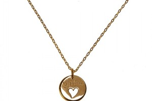 900x900px 8 Charming Engravable Heart Necklaces Picture in Jewelry