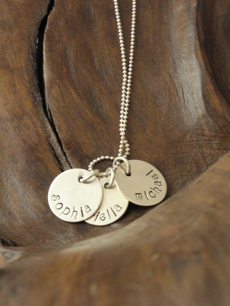 9 Unique Personalized Charm Necklaces For Moms in Jewelry