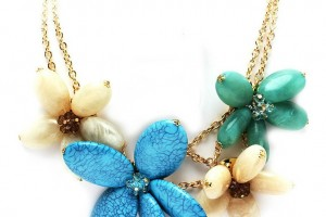736x736px 8 Beautiful Hawaiian Flower Necklaces Picture in Jewelry