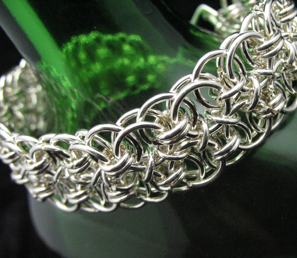 Make A Chain Mail Bracelet: Jewelry Making : Woman Fashion