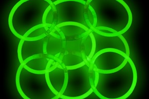 Jewelry , 7 Nice Glow Stick Necklaces Bulk : light sticks