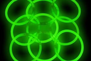 Jewelry , 7 Nice Glow Stick Necklaces Bulk : light sticks