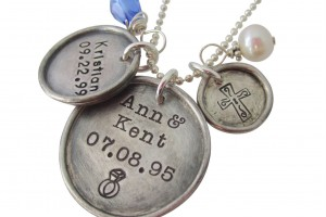 Jewelry , 8 Cool Charm Necklaces For Moms : necklace