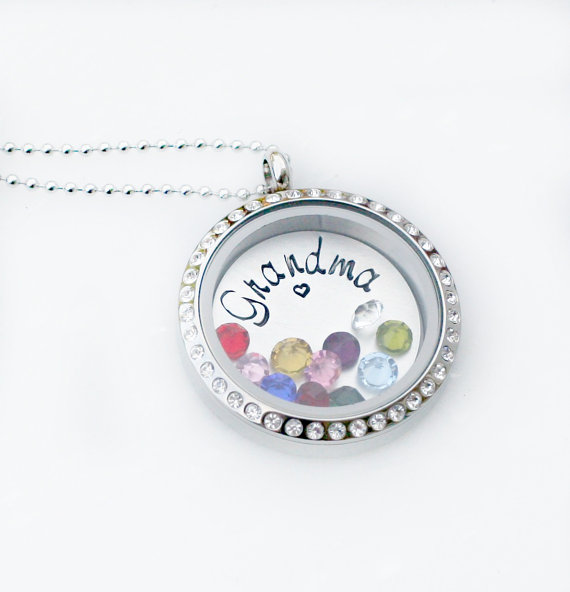 8 Charming Grandma Locket Necklace in Jewelry