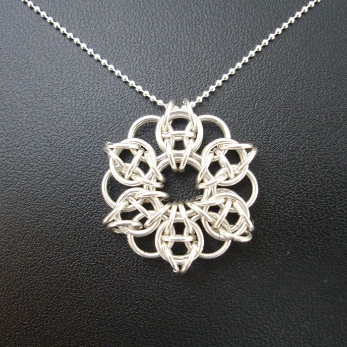 9 Charming Chainmail Necklace Patterns in Jewelry