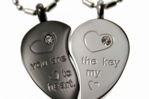 Jewelry , 8 Fabulous Split Heart Necklaces For Couples : Black Tone Split Heart Pendant Set
