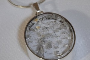 Jewelry , 8 Awesome Necklaces For Cremation Ashes : Glass pendants