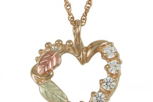 Jewelry , 8 Charming Birthstone Necklaces For Mothers : Gold Heart Mothers Birthstone Necklace
