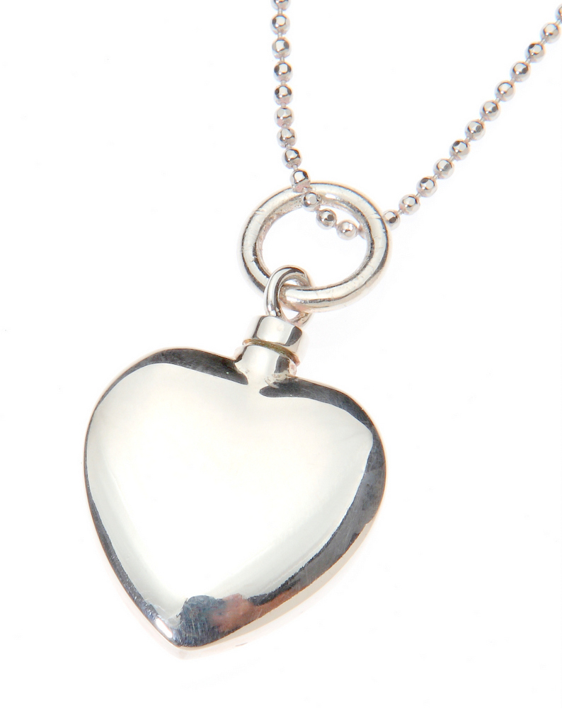 jewelry for ashes of loved one jewellery filled with tiny portions of a loved one s 5983