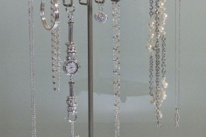 Jewelry , 6 Lovely Origami Owl Necklace Display : Long Necklace Holder