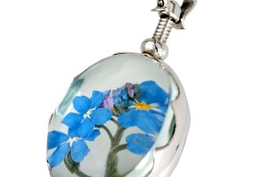 Jewelry , 8 Gorgeous Locket Necklace For Ashes : Oval Scalloped