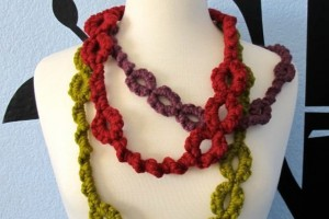 Jewelry , 8 Nice Tatted Necklace Pattern : Oversized Tatted Necklace