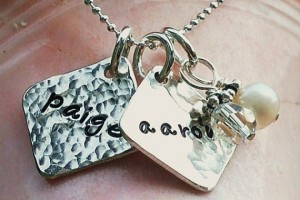 Jewelry , 8 Charming Initial Necklace For Moms : Personalized Necklace for Moms