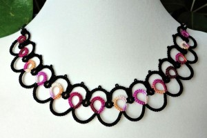 Jewelry , 8 Nice Tatted Necklace Pattern : Ripple tatted necklace