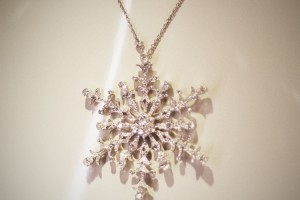 750x678px 7 Wonderful Tiffany Snowflake Necklace Picture in Jewelry