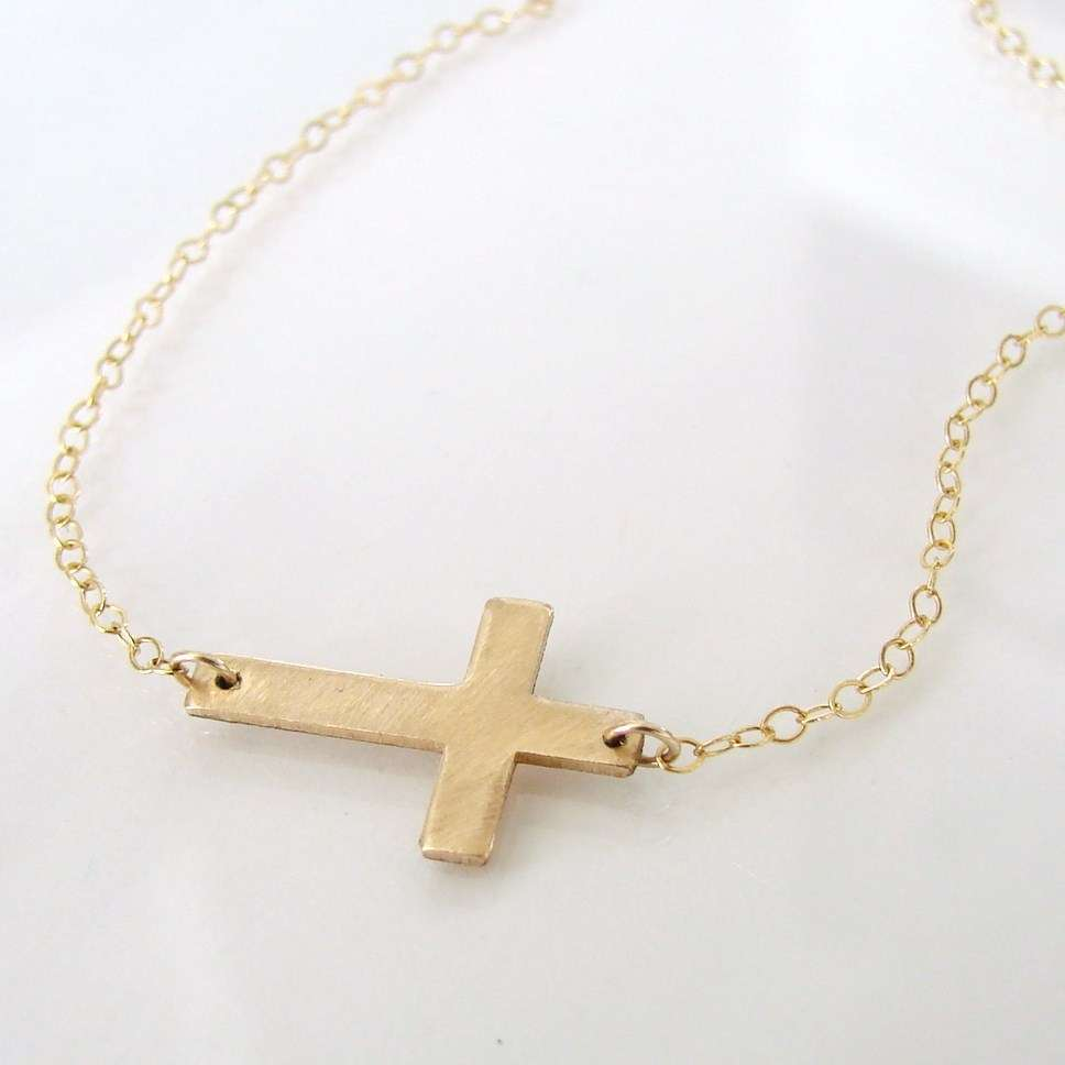 7 Good 14k Gold Horizontal Cross Necklace in Jewelry