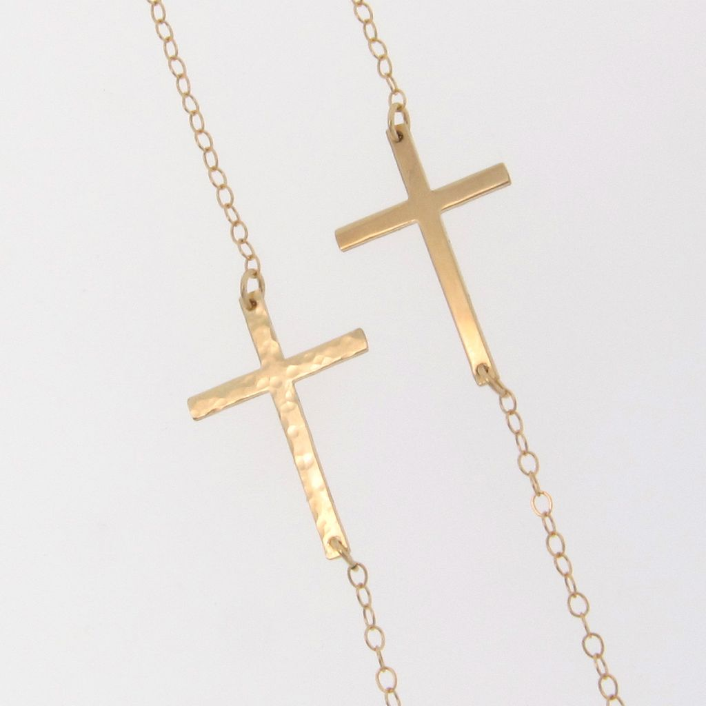 8 Stunning Sideways Cross Necklace Kelly Ripa in Jewelry