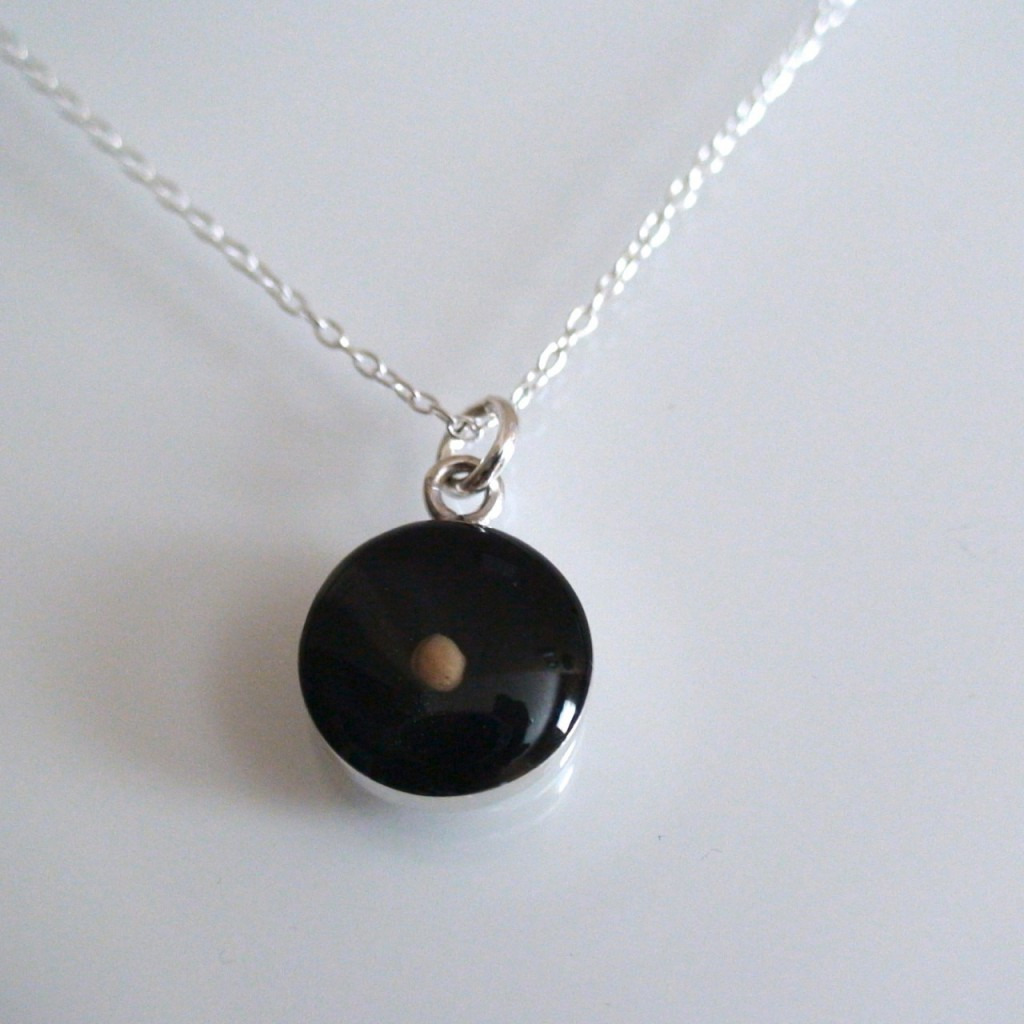 8 Georgeous Sterling Silver Mustard Seed Necklace in Jewelry