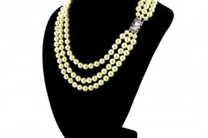 Jewelry , 7 Stunning Jackie Kennedy Pearl Necklace : Triple Strand Faux Pearl Necklace
