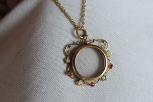 Jewelry , 8 Gorgeous Locket Necklace For Ashes : Victorian Glass Locket
