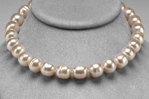 Jewelry , 8 Lovely Majorica Baroque Pearl Necklace :  diamond necklace