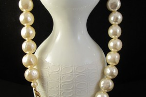 Jewelry , 7 Stunning Jackie Kennedy Pearl Necklace :  mikimoto pearl necklace