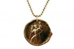 Jewelry , 8 Stunning Saint Christopher Necklace Meaning :  pearl necklace