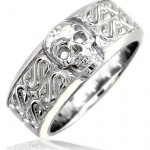 Ladies Wide Skull Ring , 9 Stunning Skull Wedding Bands For Men In Jewelry Category