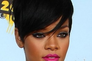 Hair Style , 9 Charming Black Hairdos For Short Hair : Rihanna Short Black Haircut