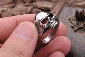 Jewelry , 5 Awesome Cheap Skull Rings For Men : Skull Jewelry