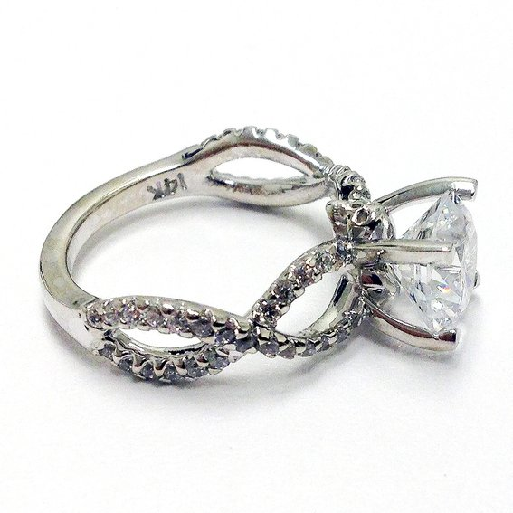 Skull Wedding Rings : Woman Fashion