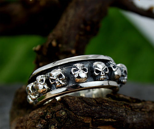 9 Cool Skull Wedding Band in Jewelry