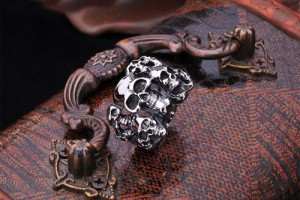 Jewelry , 5 Awesome Cheap Skull Rings For Men : ten Skulls Ring for Sale