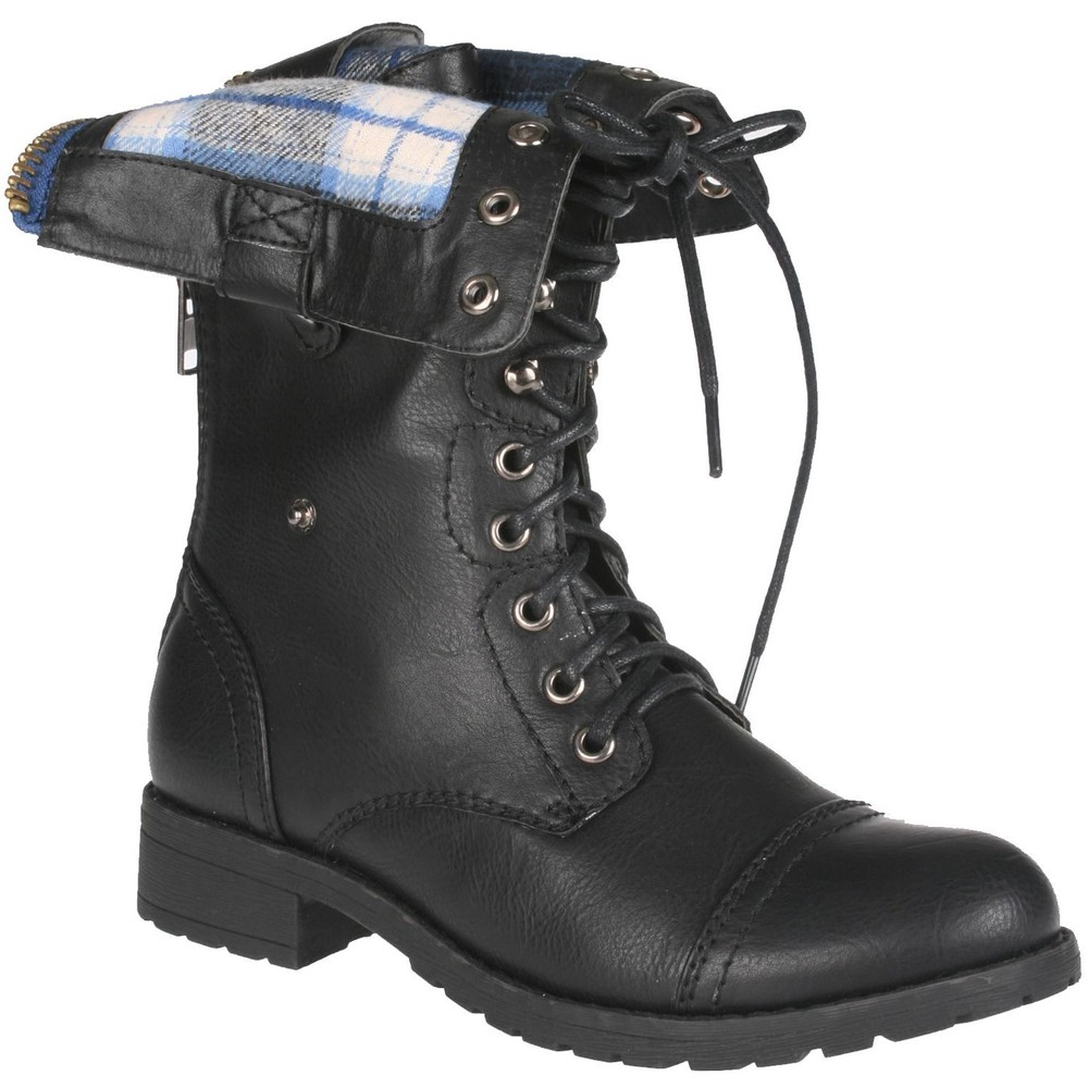 Brilliant 21 Unique Black Combat Boots Women Outfit | Sobatapk.com