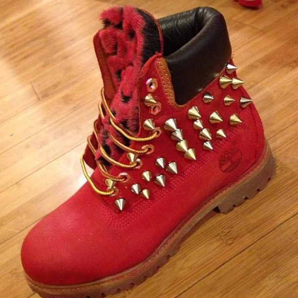 Stunning Red timberlands boots with spikes   Woman Fashion ... ba444e528