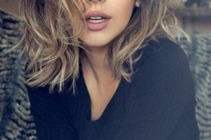 Hair Style , Superb Medium Length Hairstyles For An Amazing Look : Shaggy Medium Length Hairstyle for an Amazing Look
